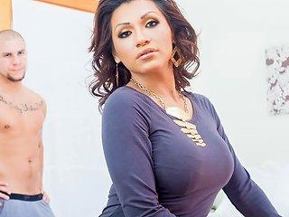 Eli Hunter Jessy Dubai In Jessy Dubai Ts Superstar Video
